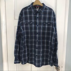 Men's the North face shirt size large